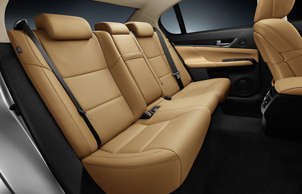 Lexus GS back seats