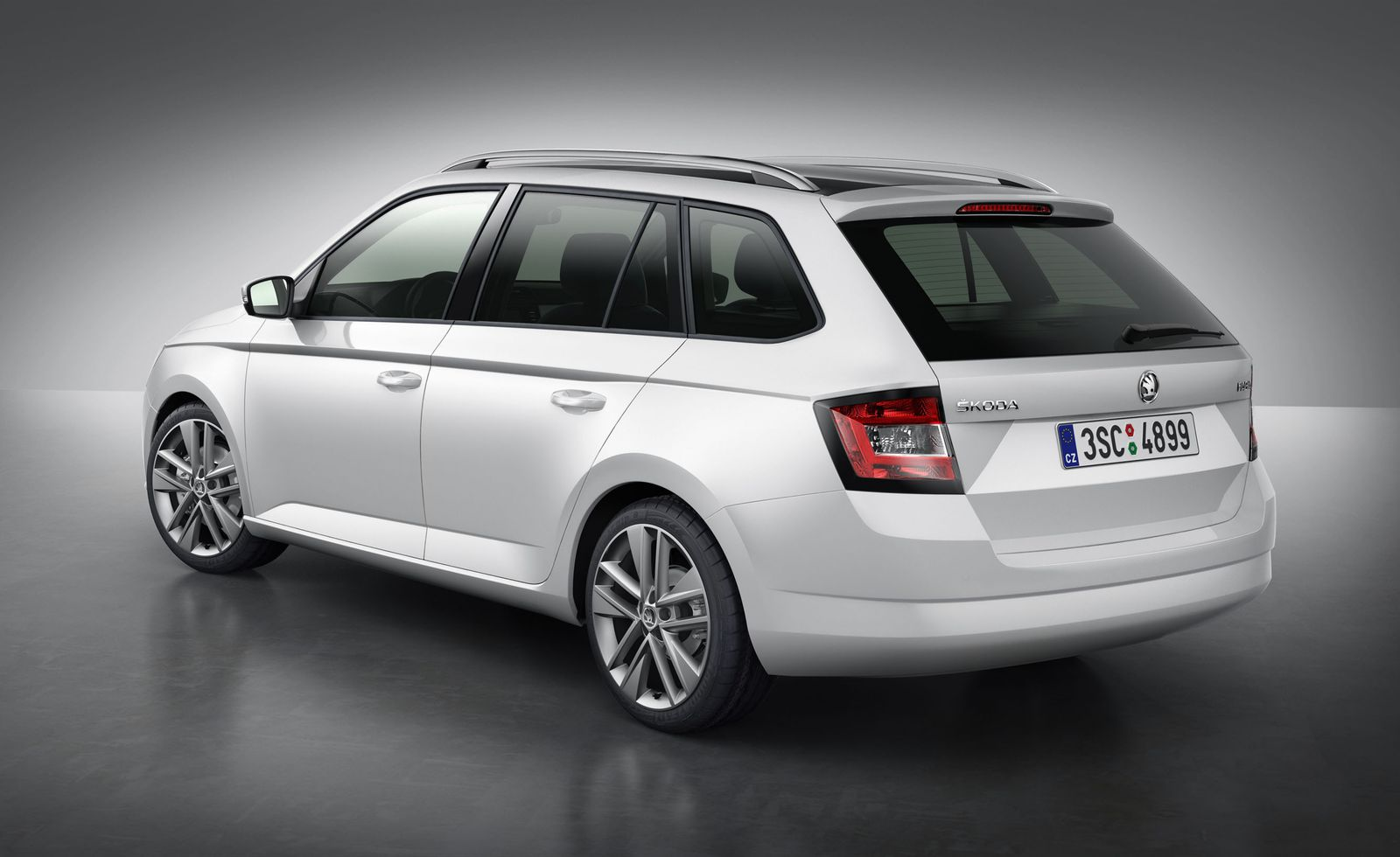 2015 skoda fabia estate first details carwow. Black Bedroom Furniture Sets. Home Design Ideas