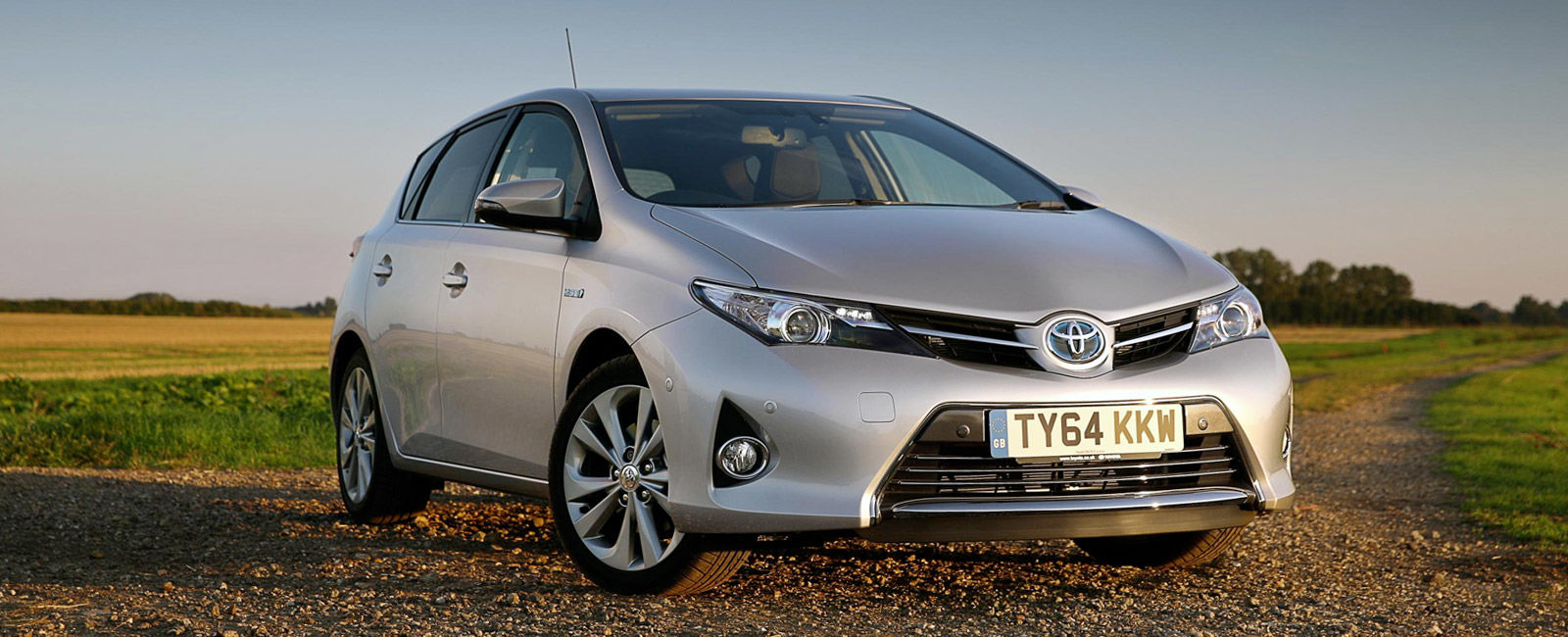 the 10 cheapest hybrid cars carwow