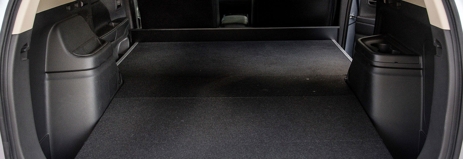 Mitsubishi outlander phev sizes dimensions carwow for Mitsubishi outlander interior dimensions