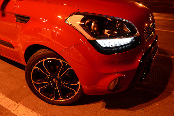 Kia Soul Inferno CRDI Red Front Light