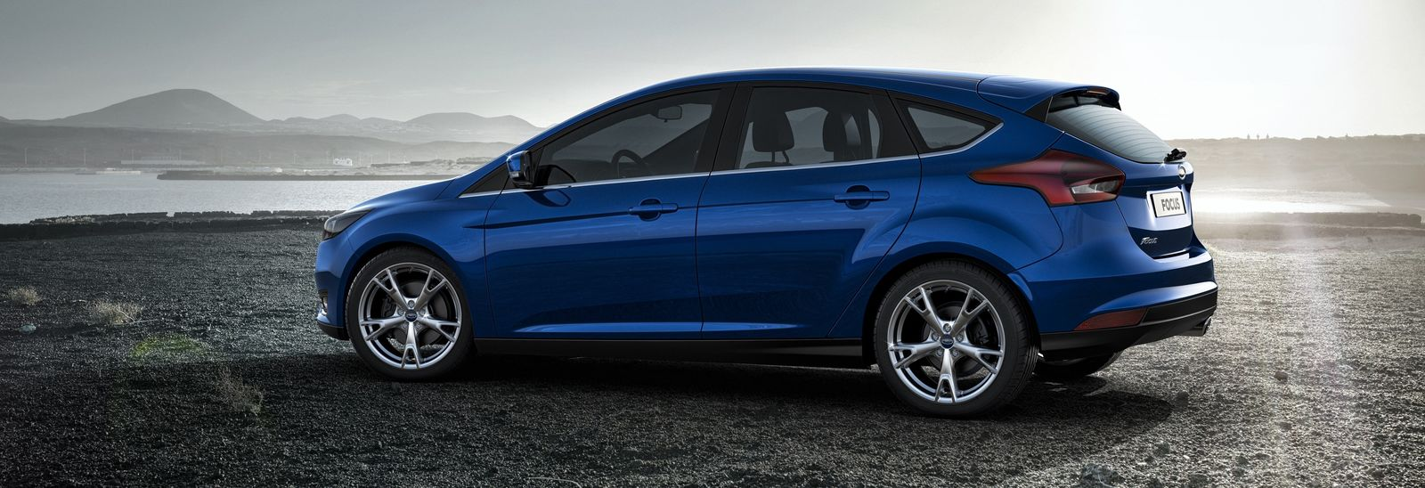 Focus St Line Deep Impact Blue >> Ford Focus options – which should you buy? | carwow
