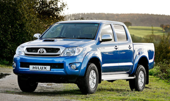 Old Hilux front