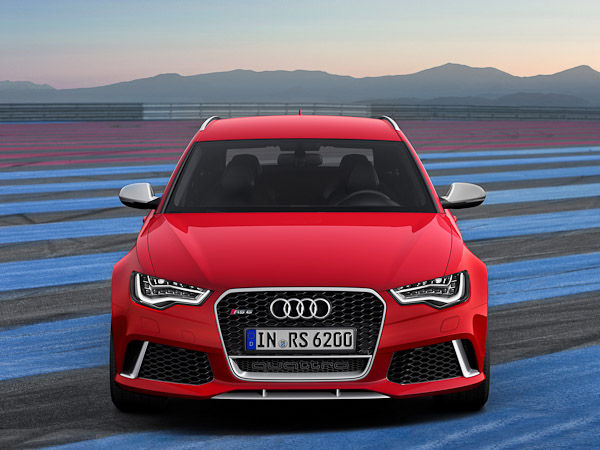 Audi RS5 Avant Red Front