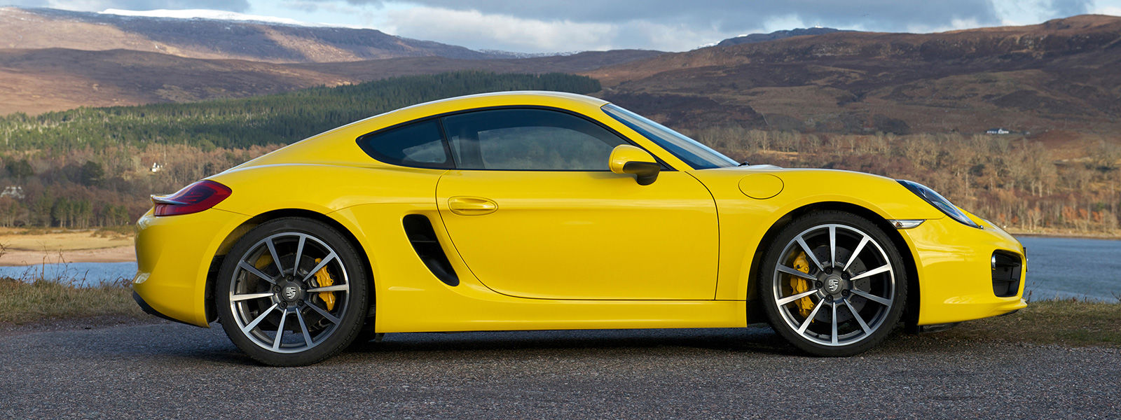 Porsche Cayman U2013 Racing Yellow