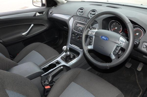 Ford mondeo graphite titanium x business edition carwow for Interior ford mondeo