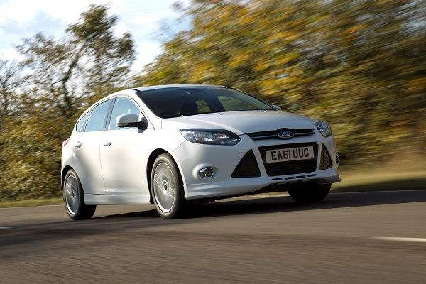 ford focus driving front