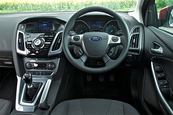 Ford Focus Vs Seat Leon Which Family Hatch Is Best Carwow