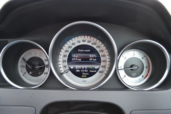 Mercedes-Benz C220 Coupe dials