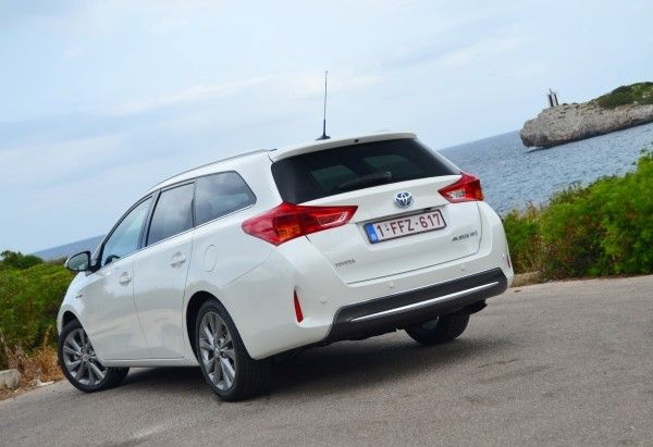 Toyota Auris Touring Sports Hybrid rear angle