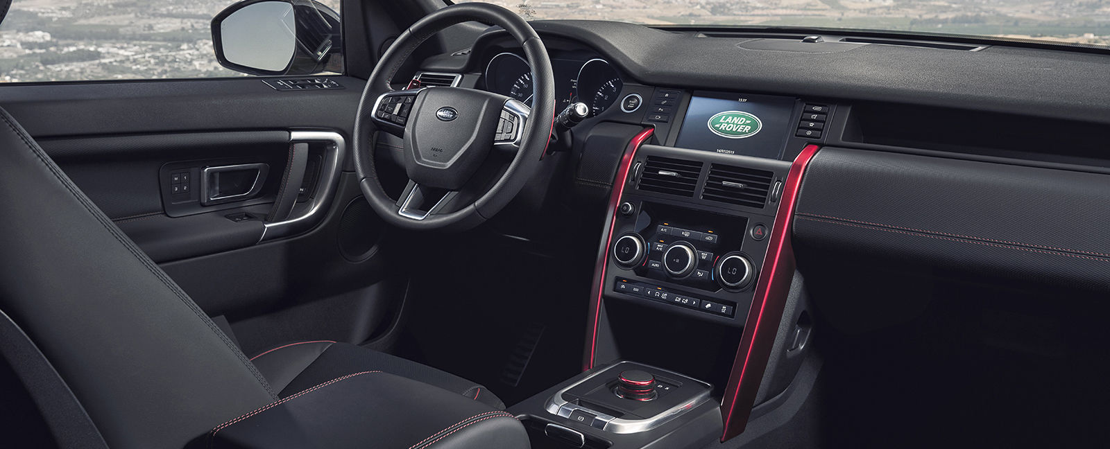 land rover discovery sport hse dynamic lux revealed carwow. Black Bedroom Furniture Sets. Home Design Ideas