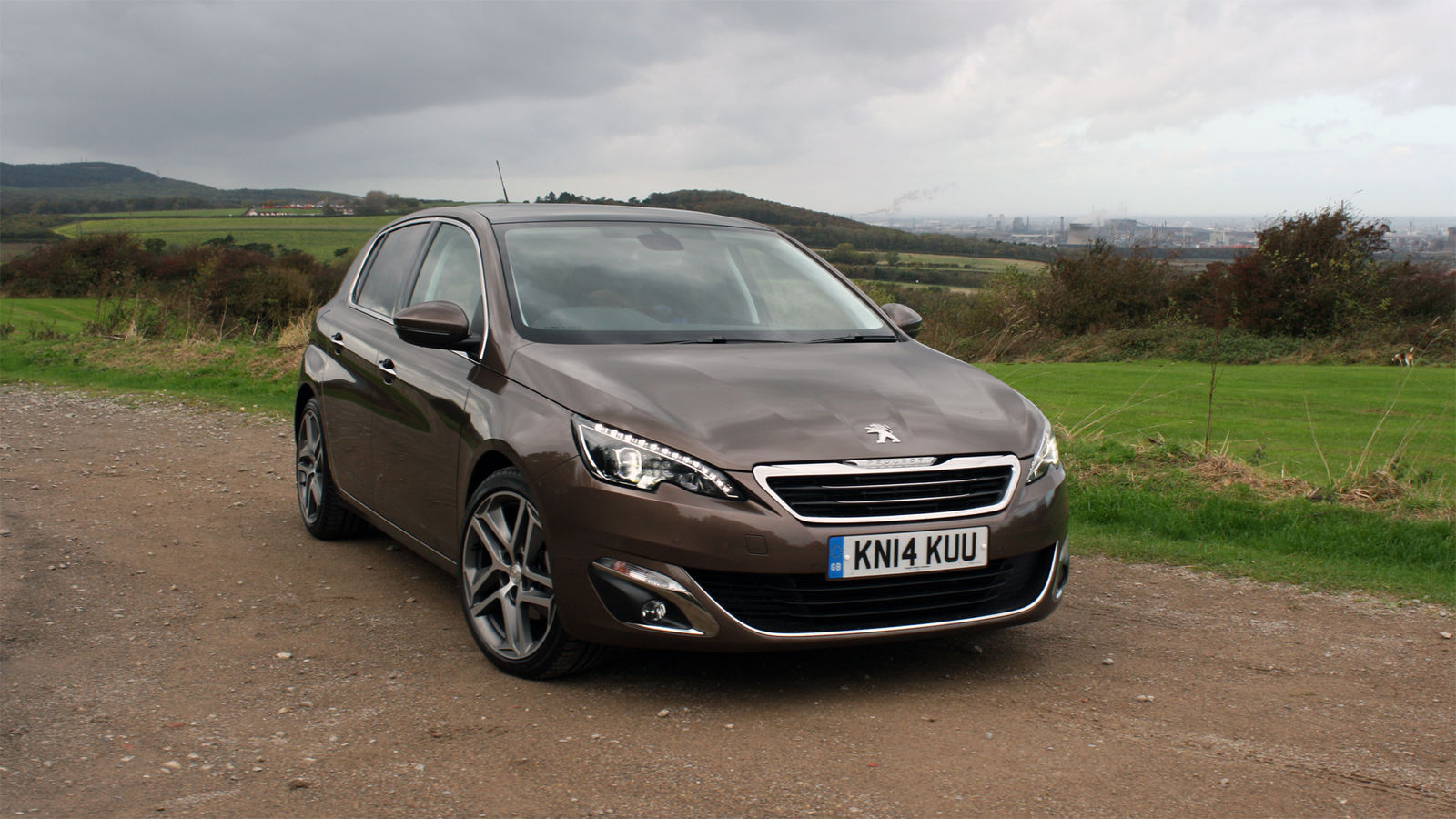 2015 peugeot 308 1 2 uk road test review carwow. Black Bedroom Furniture Sets. Home Design Ideas