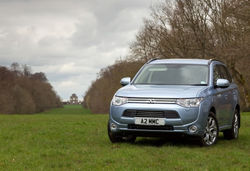 Content outlander phev front three quarter