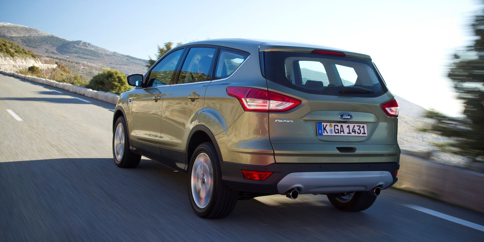 Ford Kuga review & deals   carwow