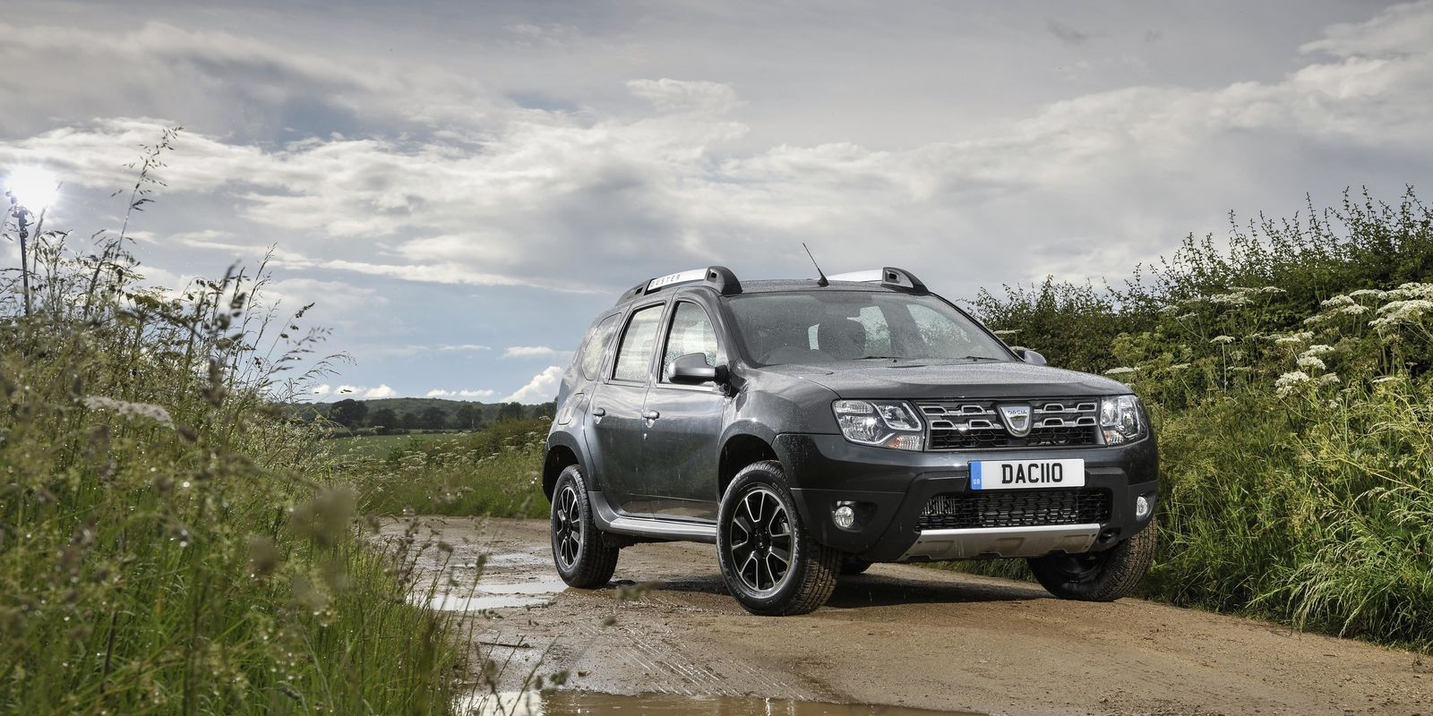 dacia duster review deals carwow. Black Bedroom Furniture Sets. Home Design Ideas
