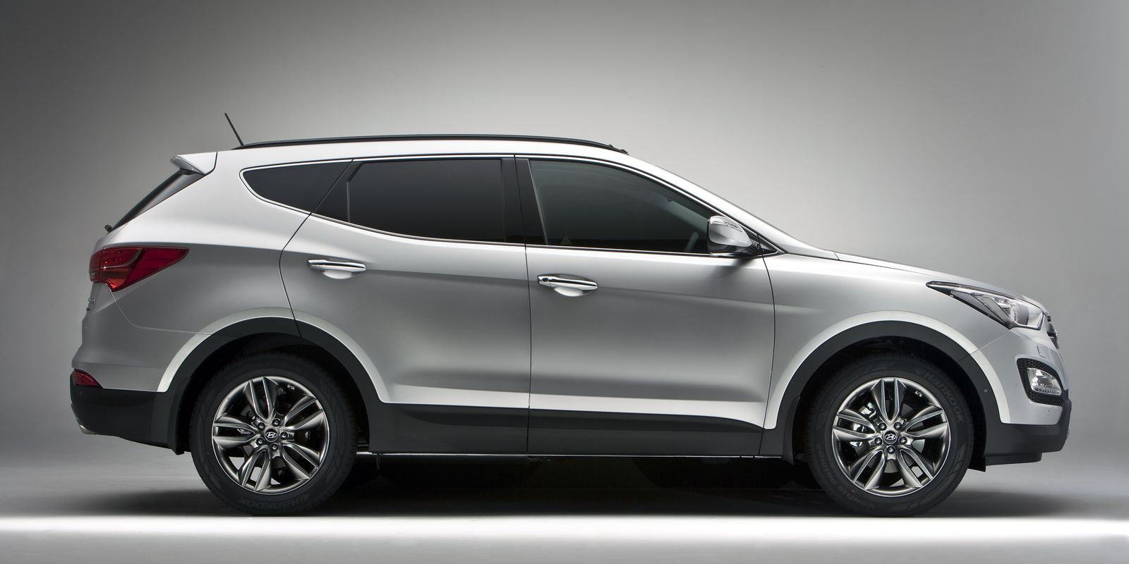 Hyundai Santa Fe Review Amp Deals Carwow