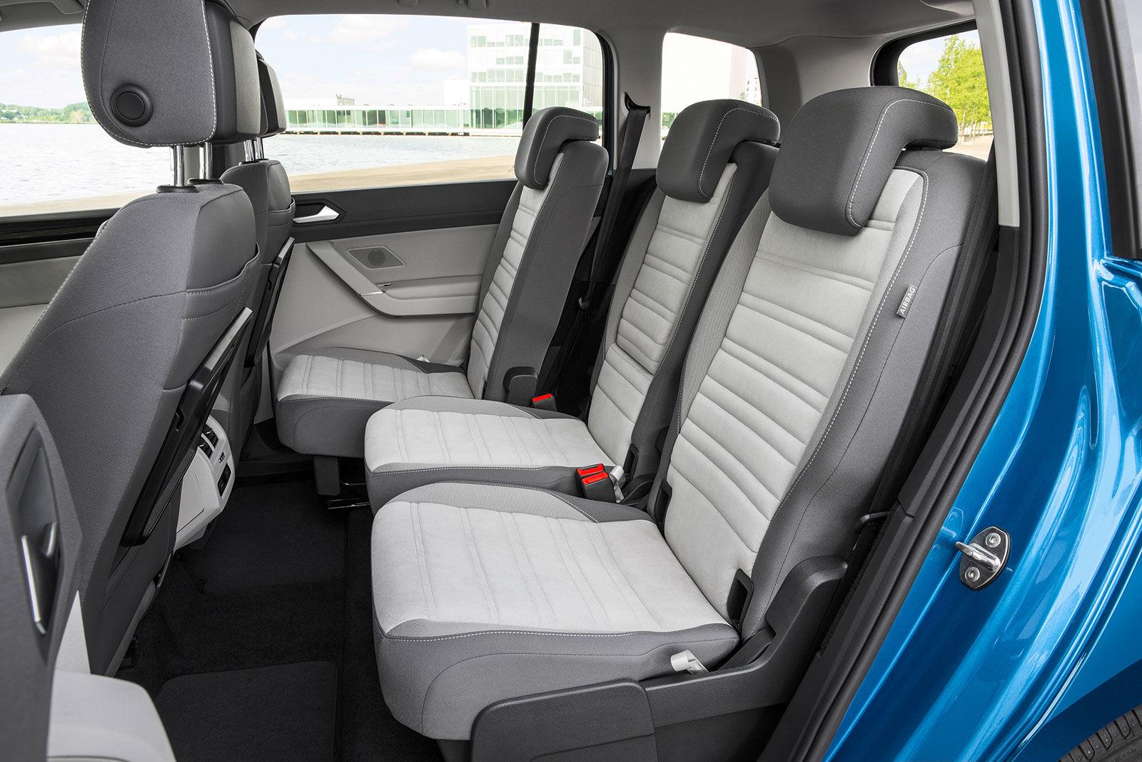 volkswagen touran review carwow. Black Bedroom Furniture Sets. Home Design Ideas