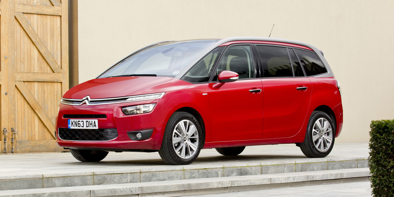 citroen c4 grand picasso review deals carwow. Black Bedroom Furniture Sets. Home Design Ideas