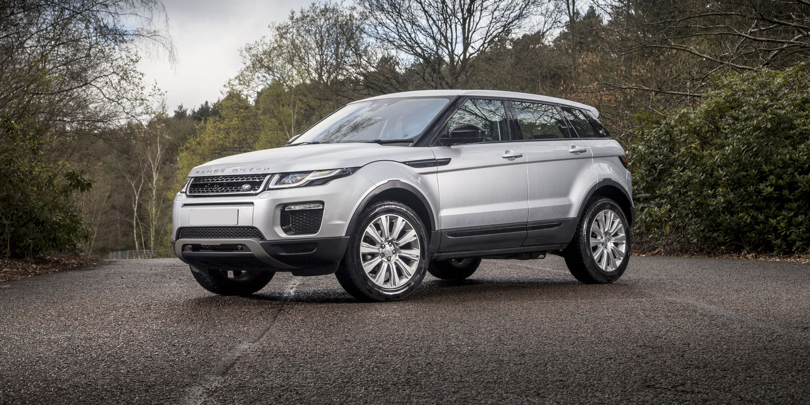 range rover evoque review deals carwow. Black Bedroom Furniture Sets. Home Design Ideas