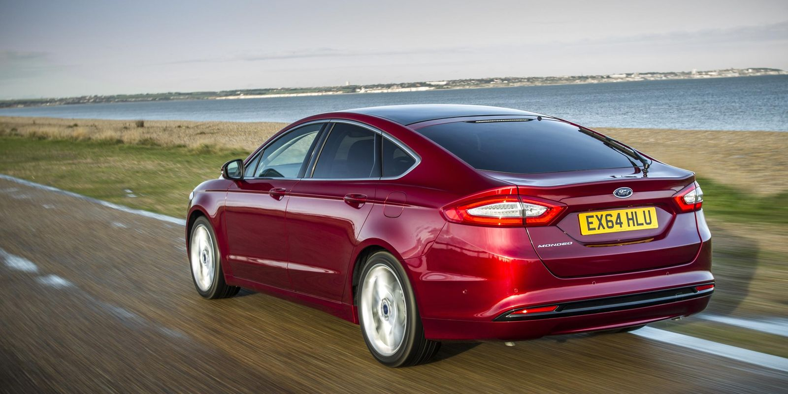Ford Mondeo review & deals | carwow