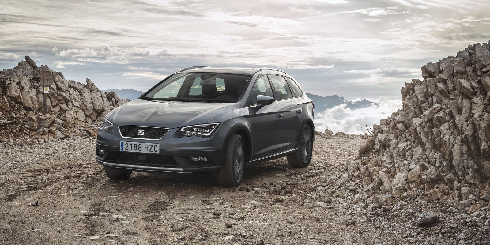 seat leon x perience review carwow. Black Bedroom Furniture Sets. Home Design Ideas