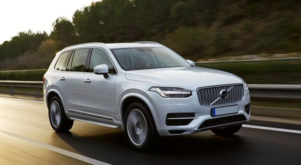 158092 the new volvo xc90 t8 twin engine petrol plug in hybrid driven in tarragona 0